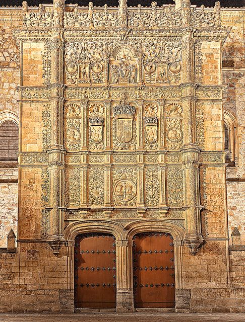 Salamanca's University by Ricardo Bevilaqua, via Flickr