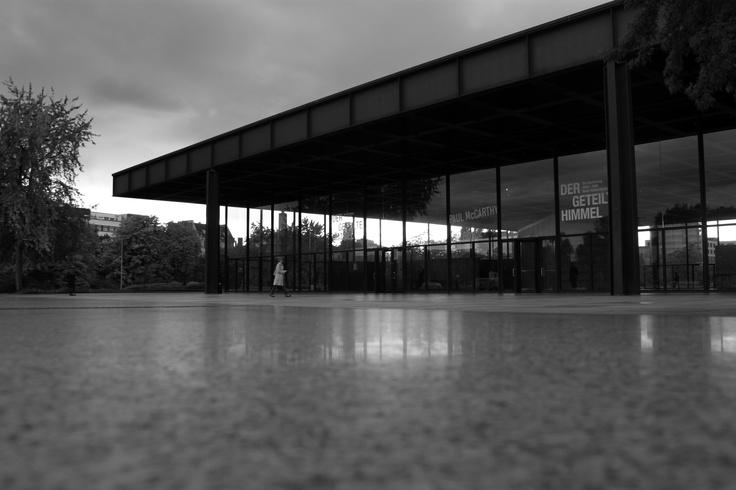 BERLIN / Neue Galerie (Mies van der Rohe, 1968) © F.Martin
