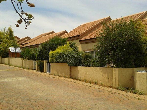 3 Bedroom Townhouse in Sunninghill