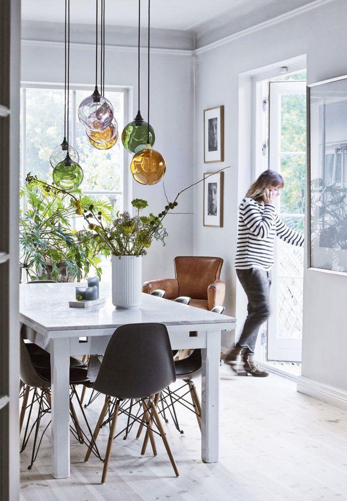 Arreda Con Le Luci Mix Di Forme E Colori Sopra Il Tavolo Design Therapy Arredamento Interni Casa Idea Di Decorazione