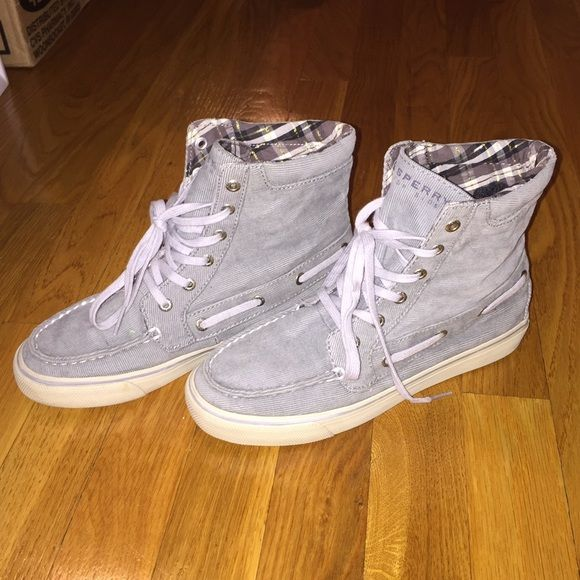 Sperry high top shoe Real Sperry high top shoe. Worn twice, but in new condition. They are a blue corduroy on the outside and a white and navy plaid pattern on the inside. Women's size 6.5 Sperry Top-Sider Shoes Ankle Boots & Booties