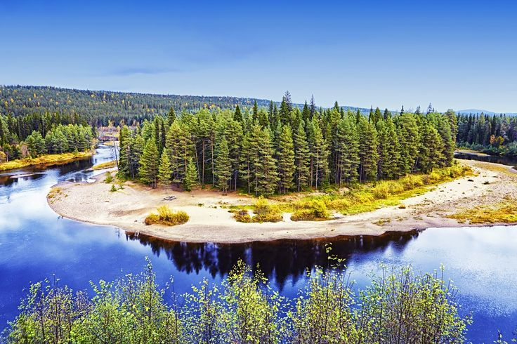 The Karhunkierros (Bear's Ring), one of the oldest and best-established trekking routes in Finland, offers some of the country's most breathtaking...