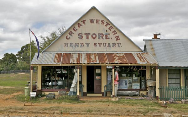 Hill End, a remnant from the 1870s has a genuine Outback atmosphere