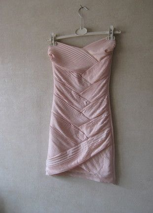 Kup mój przedmiot na #vintedpl http://www.vinted.pl/damska-odziez/krotkie-sukienki/8488658-sukienka-bandazowa-pudrowy-roz-s