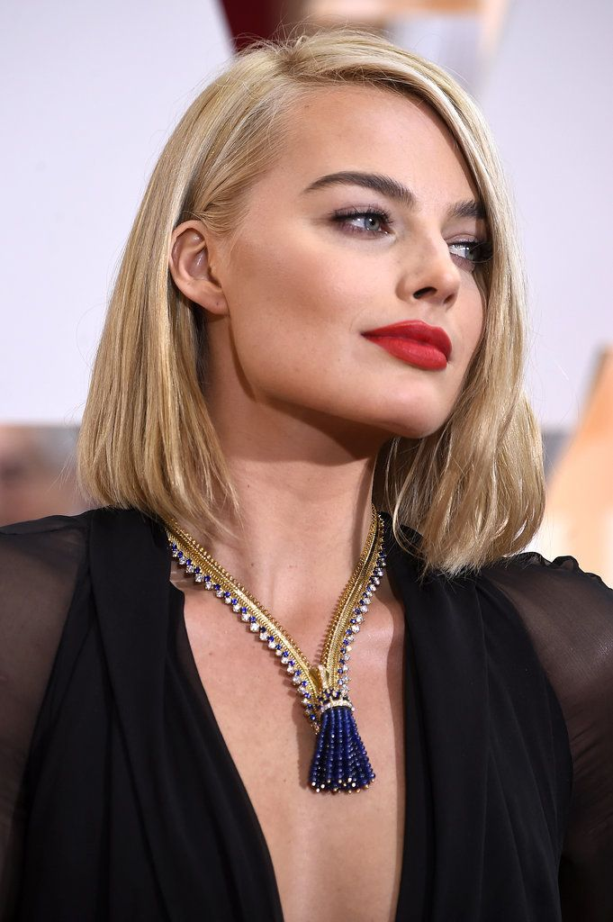 Margot Robbie is giving us major lob inspiration