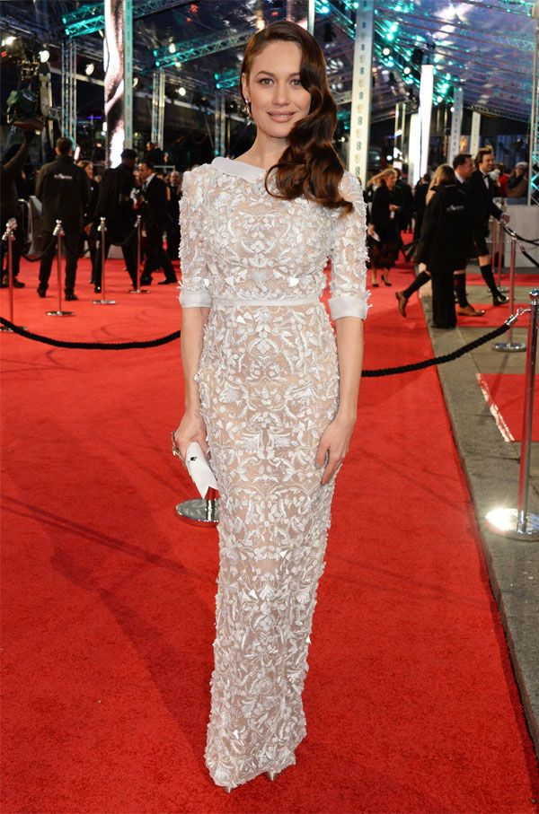 Olga Kurylenko no red carpet do Bafta 2016.