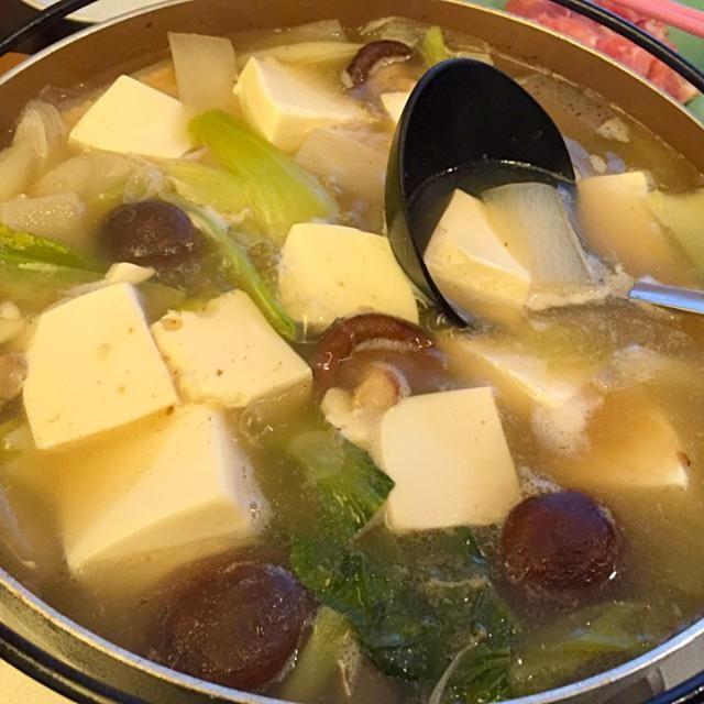 あまり野菜をたくさん入れて、手羽中でスープを作ってからの豚しゃぶ! ポン酢と自家製ゴマだれの2種類で♪ - 5件のもぐもぐ - 豚しゃぶ☆ by hanasui