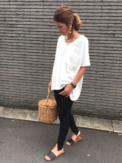 via jのTシャツ・カットソー「via j by (ヴィアジェイ) ラウンドTシャツ」を使ったyukoのコーディネートです。WEARはモデル・俳優・ショップスタッフなどの着こなしをチェックできるファッションコーディネートサイトです。