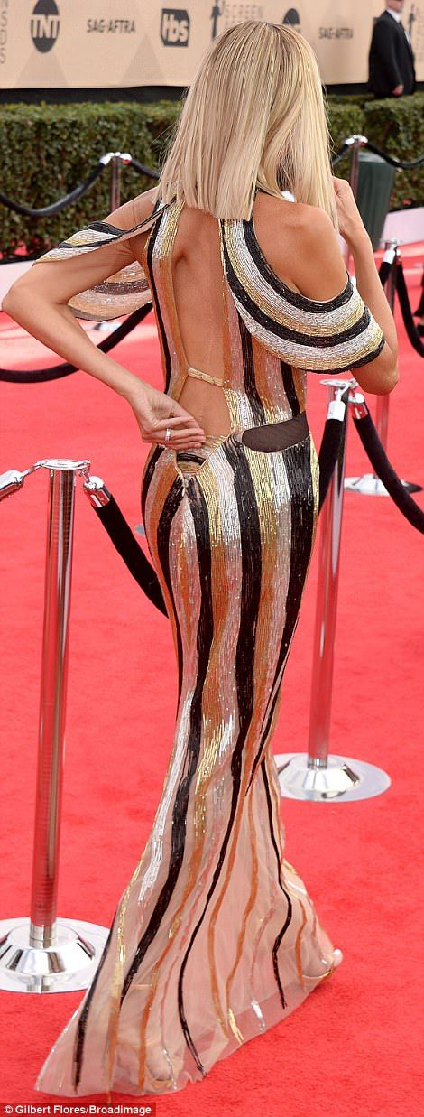 Cleopatra inspired! The E! star, 43, looked incredible in her carpet-grazing gown while ro...