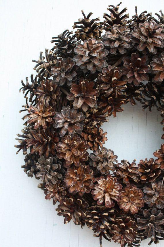 Pin cônes Couronne naturelle porte Couronne par TwigTherapy sur Etsy