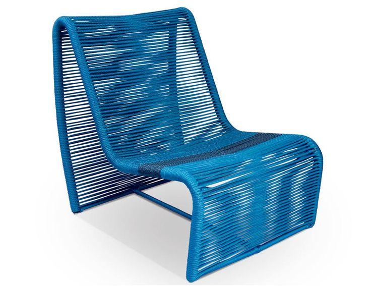 Estas poltronas e cadeiras de design arrojado emprestam um visual contemporâneo ao terraço e são ótima pedida para curtir a brisa do verão