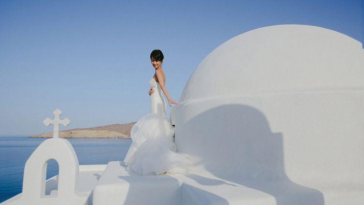 White and blue destination wedding in Mykonos @fabiozardi #igers #igersoftheday #bestoftheday #follow #weddingproposal #florist #flowerdesign #flowershop #bouquet #rose #roses #floral #wedding #bridetobe #brides #engaged #bridesmaids #bride #bridal #weddinghour #mashpics #engaged #eventplanner #weddingsingreece #weddingideas #greekislandweddings #gettingmarried #greekweddingplanner #summerweddings #luxurywedding #instagallery #instagood #instalove #instalove #celebration #ceremony