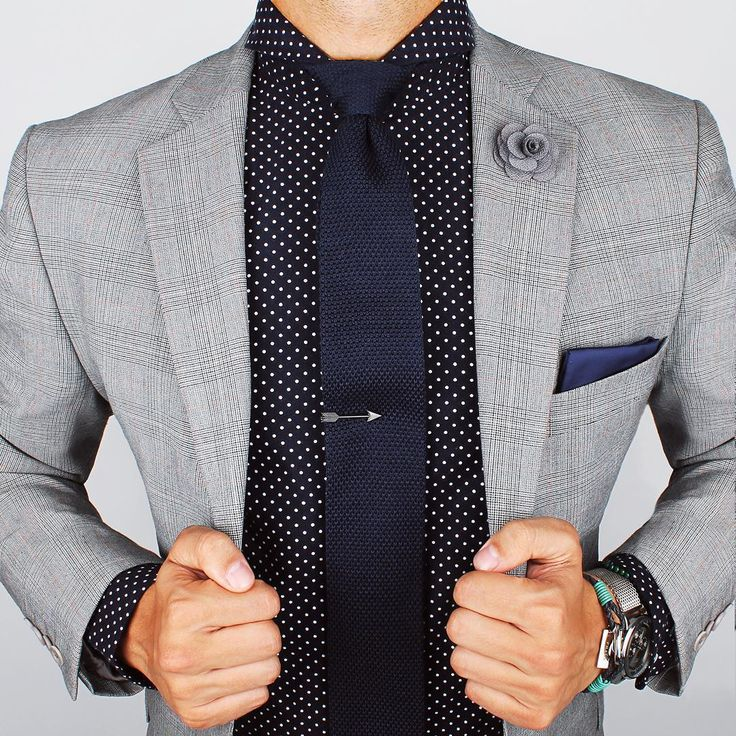 Two-ply shirt and Navy knitted tie. www.Grandfrank.com