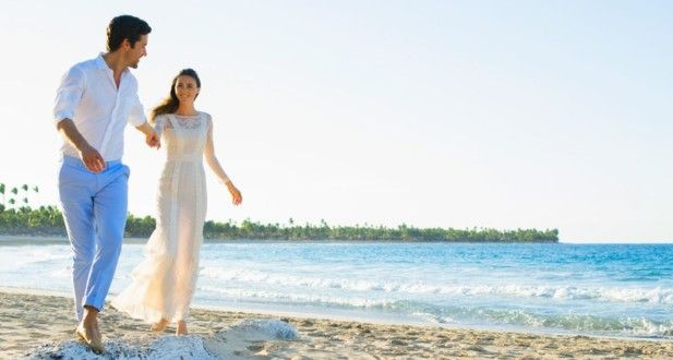 We have the scoop on  Excellence El Carmen's luxurious, all-inclusive weddings. Learn all about it in this post!
