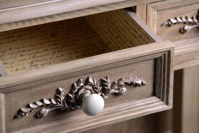 kastje pimpen met een houten ornament en niuewe porselenen knopjes