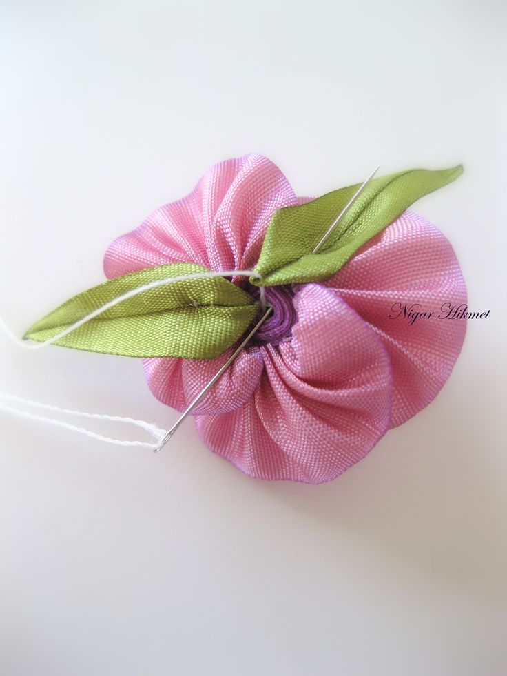Tutorial: assembling a ribbonwork rose with calyx and cord stem, by Nigar Hikmet. Part 5