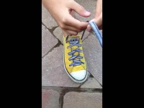 A New Way to Teach Your Child to Tie Their Shoes | The Motherload