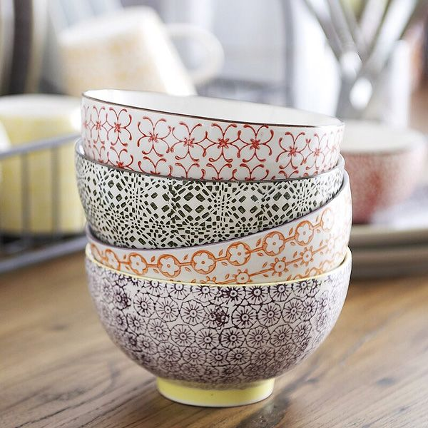 Funky Patterned Bowls to add to my colorful collection. The food can't be the only thing with taste on the table ;)