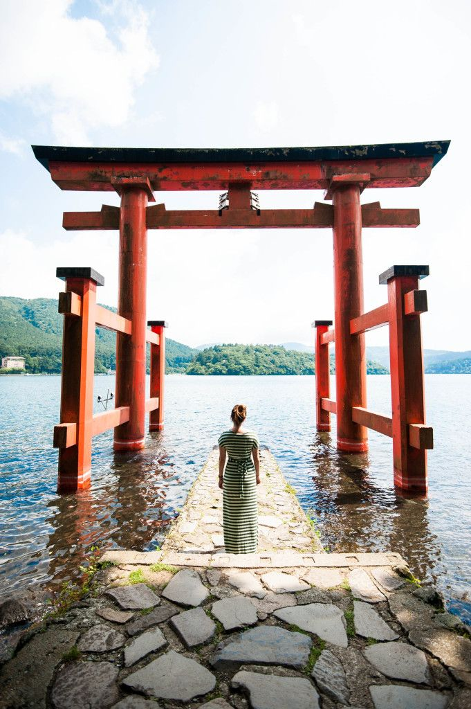 Torii gate in Hakone, Japan. Click through to see: 10 Best Snapshots from Japan-- for sure to make you want to book a flight RIGHT NOW! #travel #japan