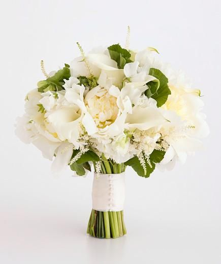 Calla Lily and Peony Mix | Find the perfect all-white wedding bouquet.