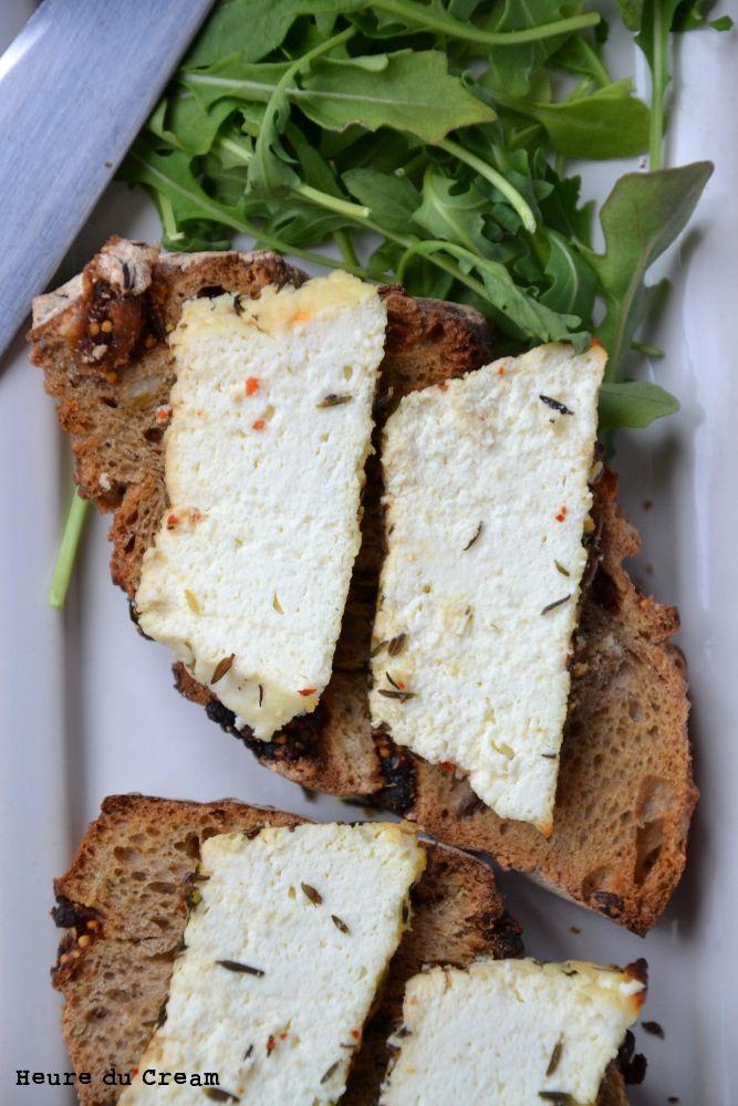 Ricotta au four (baked ricotta with herbs)