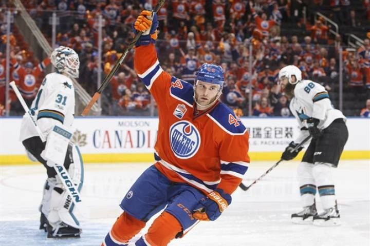 #Oilers Kassian scores game winner vs #Sharks in #NHL #hockey #playoffs #game