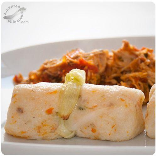 Hallaquitas aliñadas venezolanas son un alimento a base de masa de maíz, agua, aceite y sal a las que se les suele añadir chicharrón, ají dulce o pimentón.