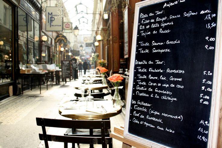 Passage des Panoramas - le 11 Boulevard Montmartre où le 38 rue Vivienne 75002.