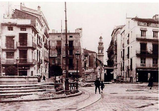 Calle Navellos derribos en los años 60.