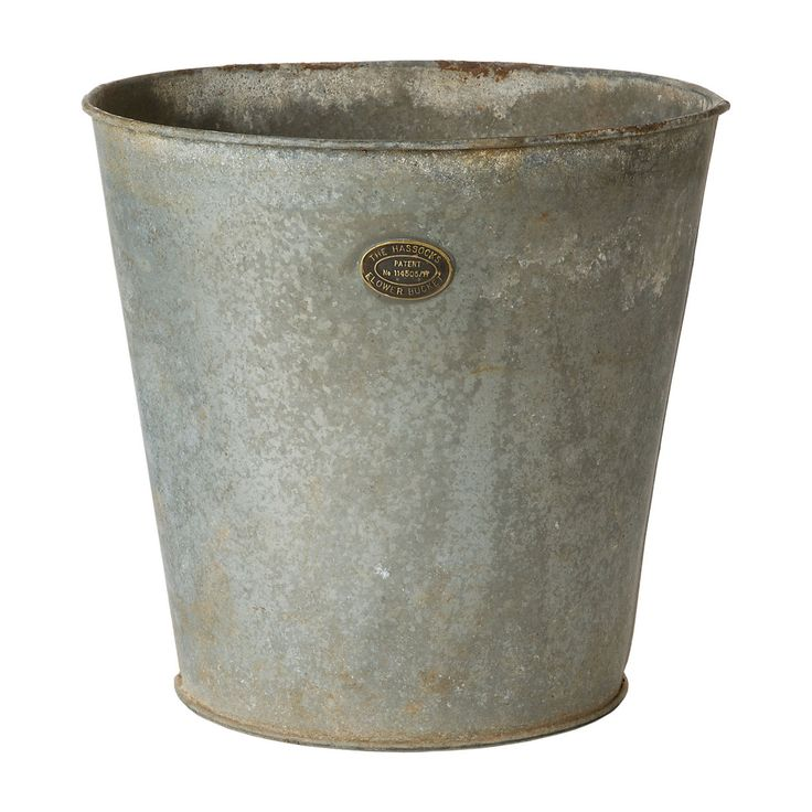 17 best images about galvanized zinc and tin on pinterest for Galvanized well bucket