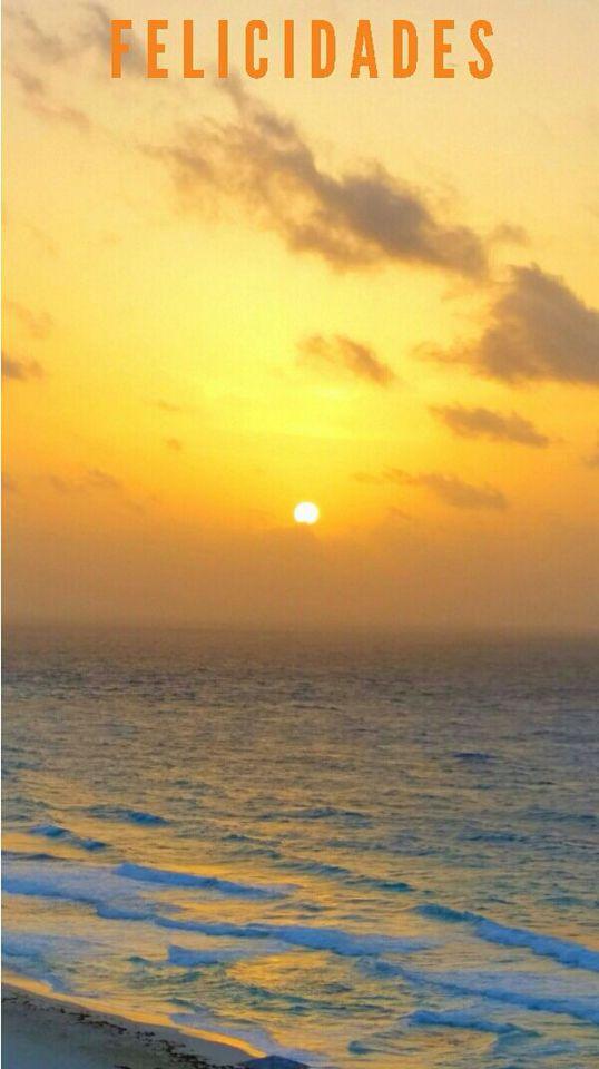 ¡Felicidades a todas las madres! Hoy en Love Cancún Radio festejaremos a la más grande de las madres, la Madre Naturaleza, la Pachamama, la que nos da vida a tod@s. Escúchanos de 12-2pm por www.energyfmradio.com (Foto de Verónica Villegas)