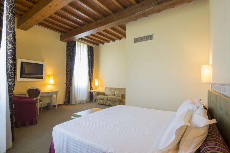 Nedding space? Wishing for a truly luxurious sensation?   Hotel Certaldo is the right place to find it, in the middle berween Florence and Siena. Tuscany on the go! #tuscany #certaldo #hotelcertaldo #tuscantravels #startingpoing