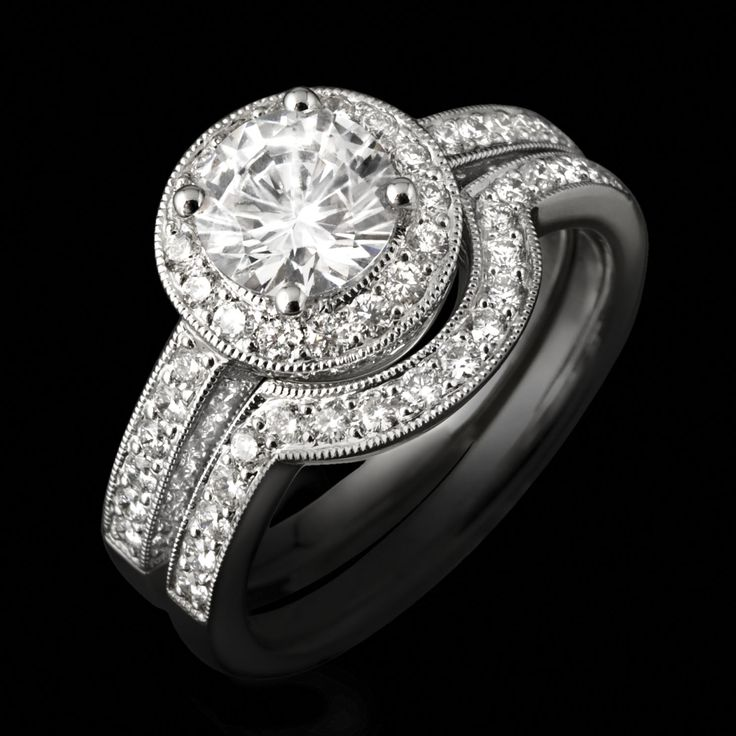 How To Make A Smaller Diamond Look Ger By Using Surround Curved Wedding Bandwedding