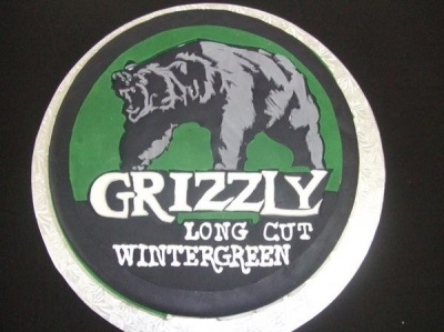 Grizzly Wintergreen Dip Can Cake By alampp on CakeCentral.com