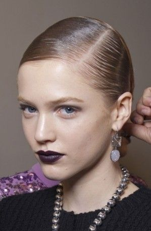 Make up Bottega Veneta labbra color prugna scuro