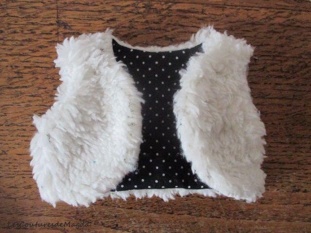 C'est un élément incontournable dans les collections automne/hiver... disponible dans tous les catalogues de mode pour enfant... bref, un petit gilet sans manches. Je vous propose aujourd'hui, le p...