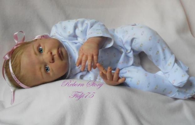 Annonce Collection : Beau bébé reborn très réaliste dans les moindre détails. ►http://www.topannonces.fr/annonce-autres-collections-v42557020.html