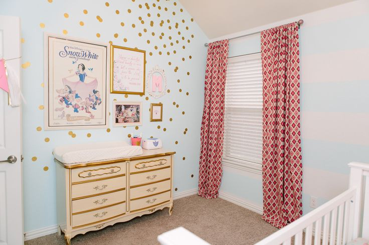 We love the mix of modern and vintage in this sweet baby room! #nurseryIdeas, Big Brother, Projects Nurseries, Cora Nurseries, Baby Room, Accent Colors, Girls Nurseries, Children Places, Baby Nurseries