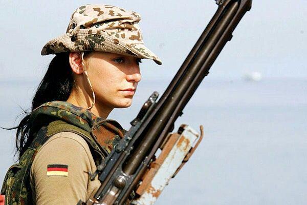 Pin Von Hotelslipper Auf Hot Bundeswehr Frauen Bundeswehr Soldat