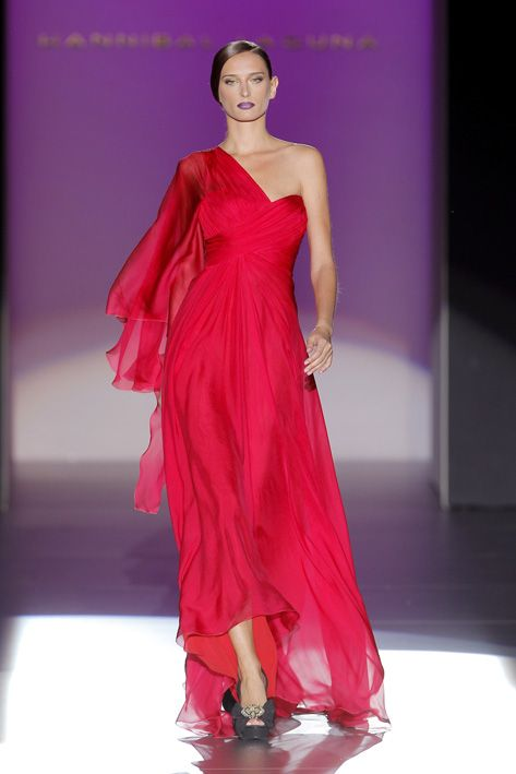 Vestido de Hannibal Laguna http://www.ebay.es/itm/261419604369