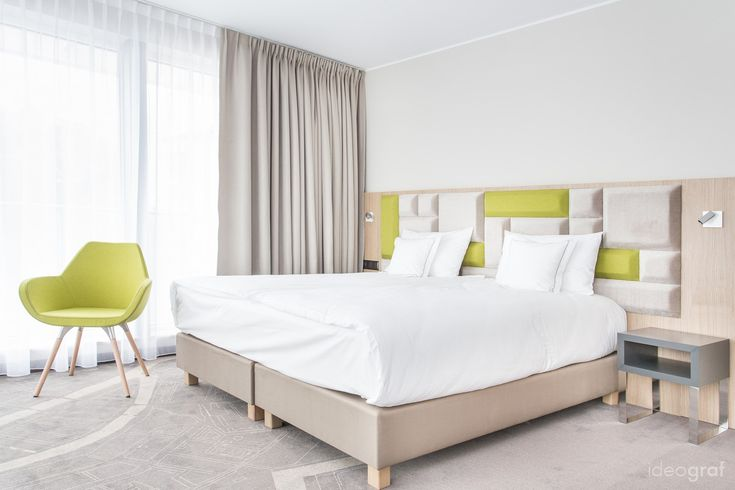 Situated in the old town ofGdańsk in Poland, the Almond Hotelhas a total area of 7500 m2. It has the jointfunctions of a hotel, restaurant, and a spa & wellness complex. It was builtin th