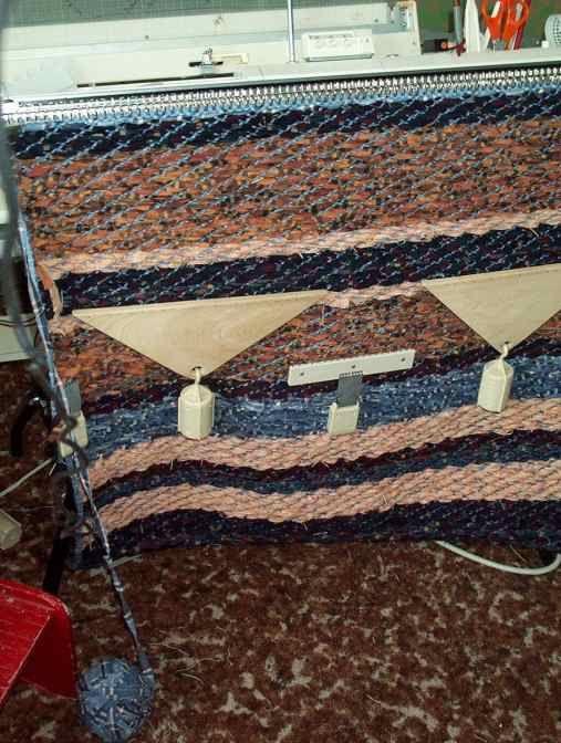 weaving rag rug on knitting machine