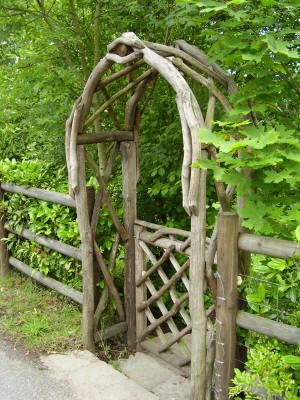 Coppice Creations - Rustic Garden Furniture and Fencing from the Wyre Forest