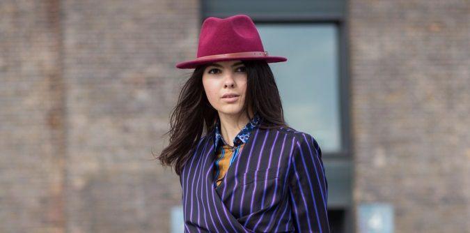 Streetstyle: come portare con disinvoltura il cappello color prugna | Jean Louis David
