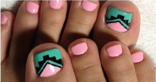 Te wzorki na paznokcie u nóg pomogą wam wykonać stylowy pedicure na wiosnę. Jeśli lubicie malować w niebanalny sposób paznokcie u stóp, obejrzyjcie galerię z fantastycznym pedicure!