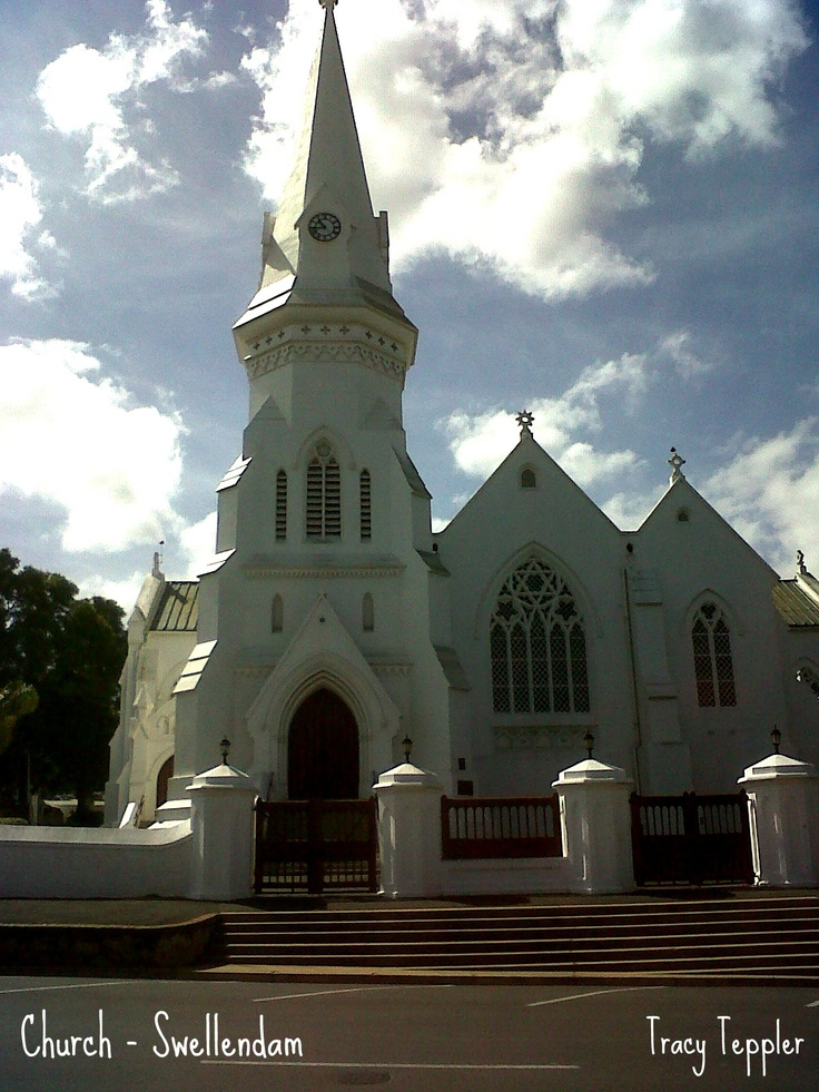 Come see the much photographed Church of Swellendam