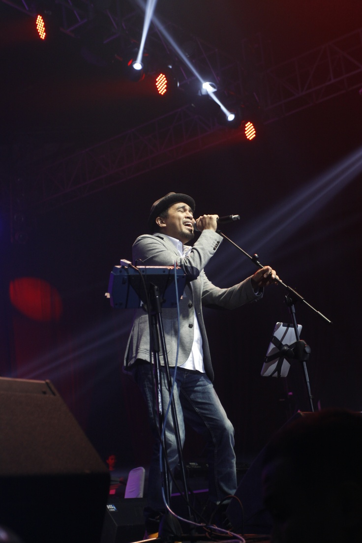 Glenn Fredly @ Konser Cinta Musik Indonesia, Tennis Indoor Indonesia, 4 Mei 2013