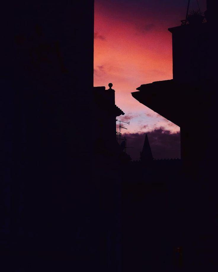 Tramonti colorati dal Chiostro del Bramante  #chiostrodelbramante #sunset #romanascosta #romeinlove #roma