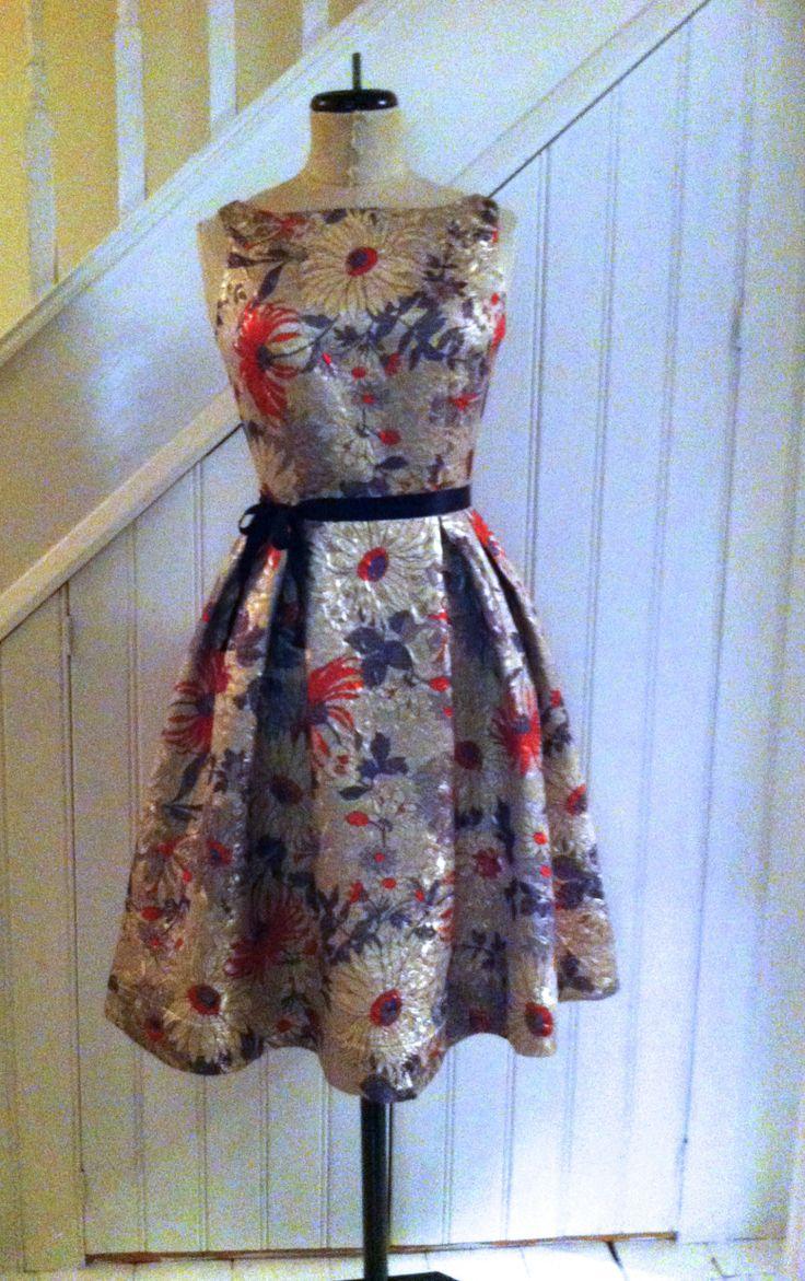 Free vintage dress and handbag pattern!