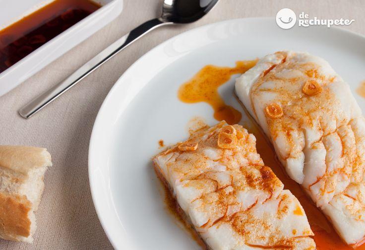 ¿Una receta fácil, muy sabrosa y sana? Os aconsejo este bacalao a la gallega, con refrito de ajo y pimentón http://www.recetasderechupete.com/bacalao-con-refrito-de-ajo-y-pimenton/19107/